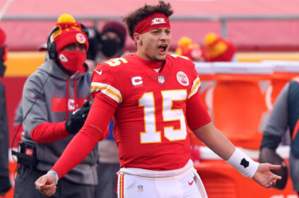 Green Bay Packers 'embarrassed' in humbling loss while Patrick Mahomes leads Kansas City Chiefs to comeback win